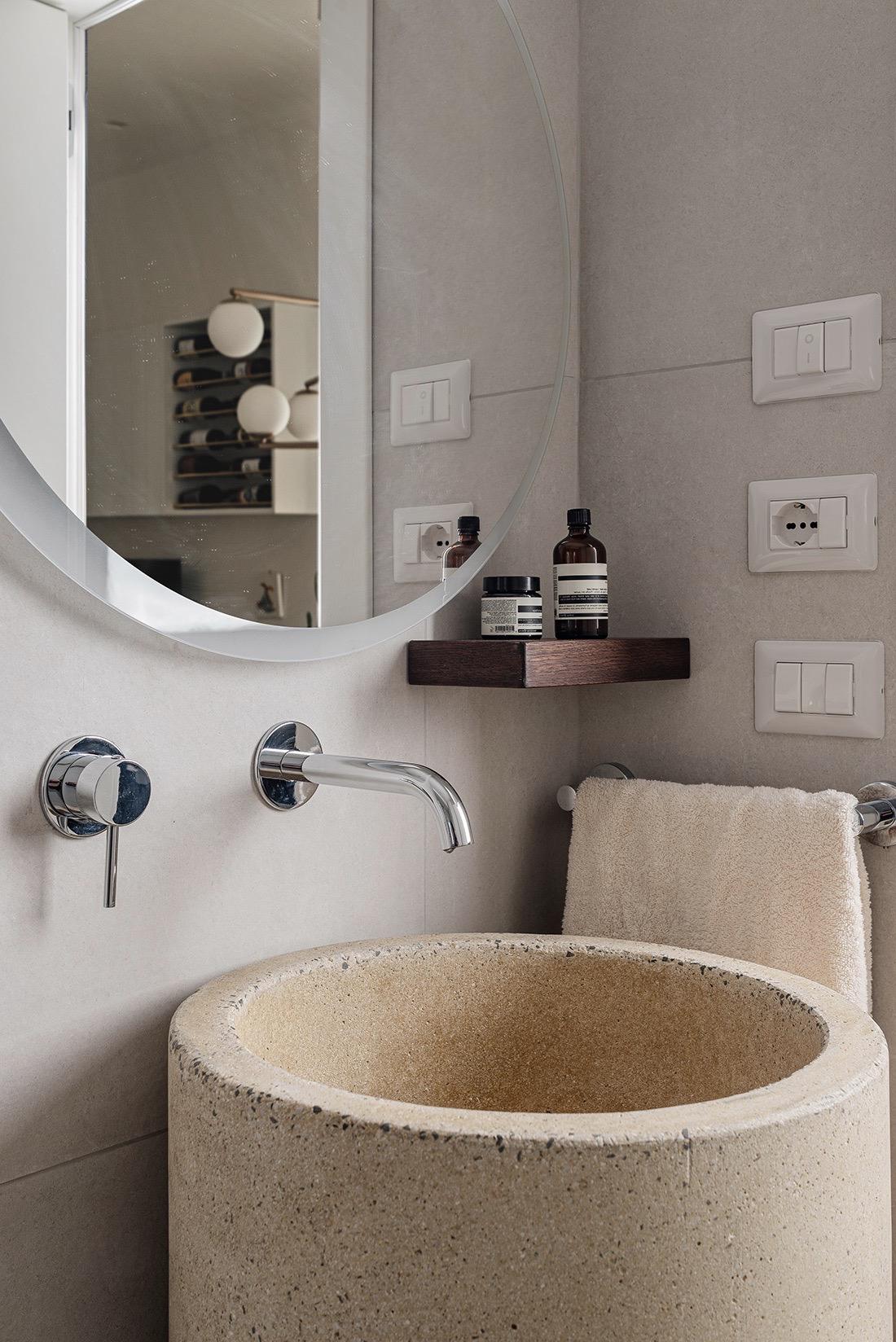 lave main vasque pierre beige granit sur pied rond