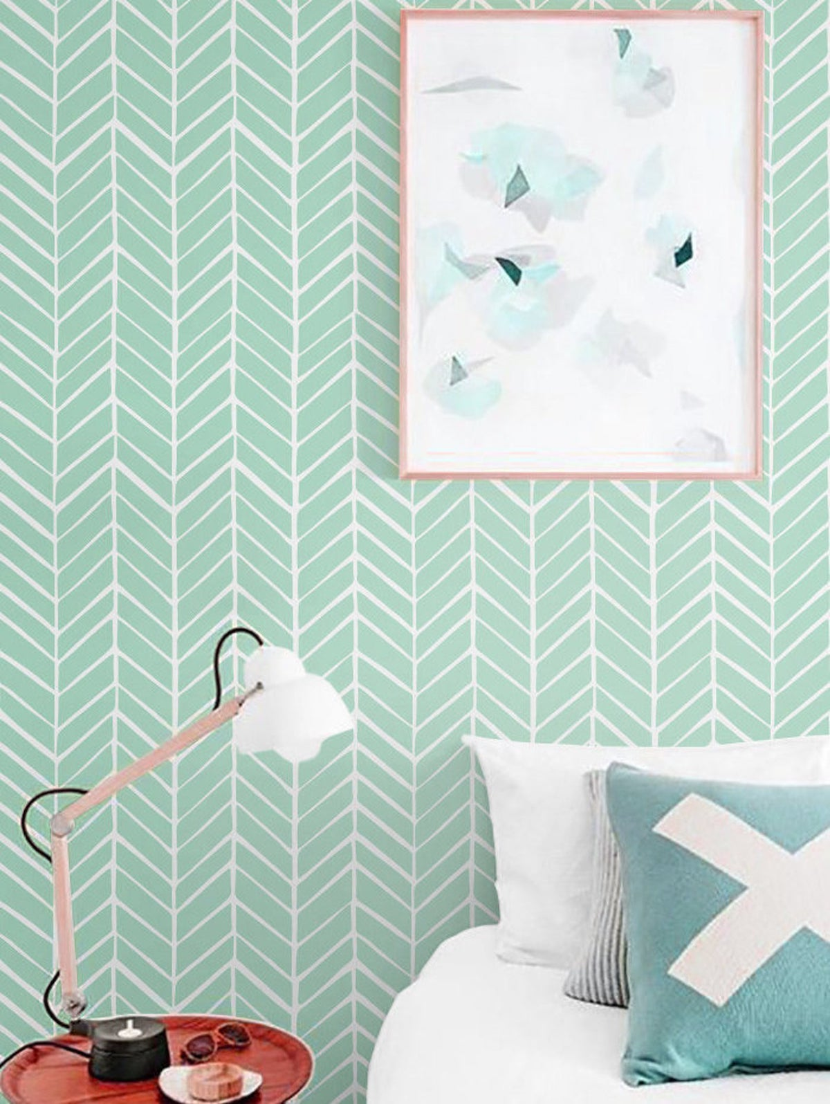 chambre papier peint vert d eau effet chevron déco enfant chambre amis