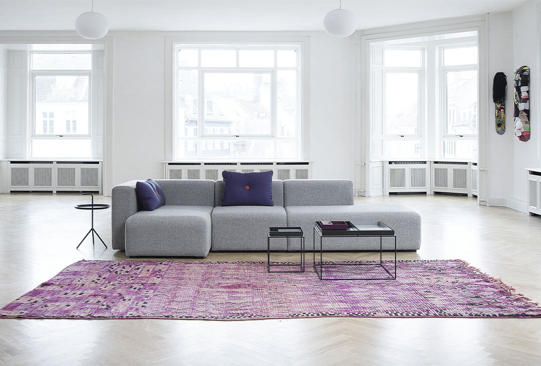 Comment bien positionner son canapé dans son salon grand immense double