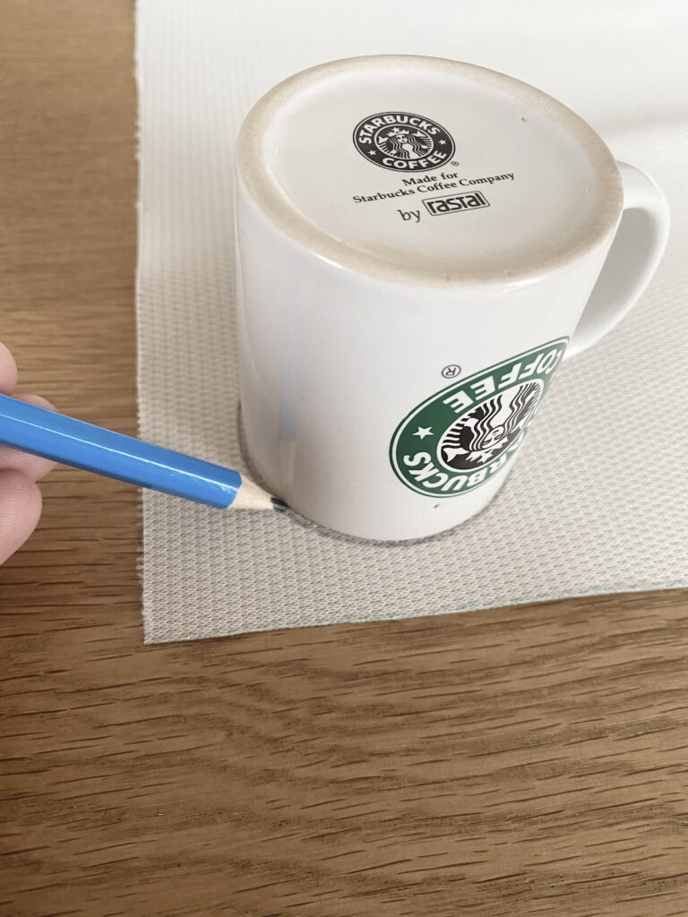 comment dessiner facilement rond tissu crayon tasse