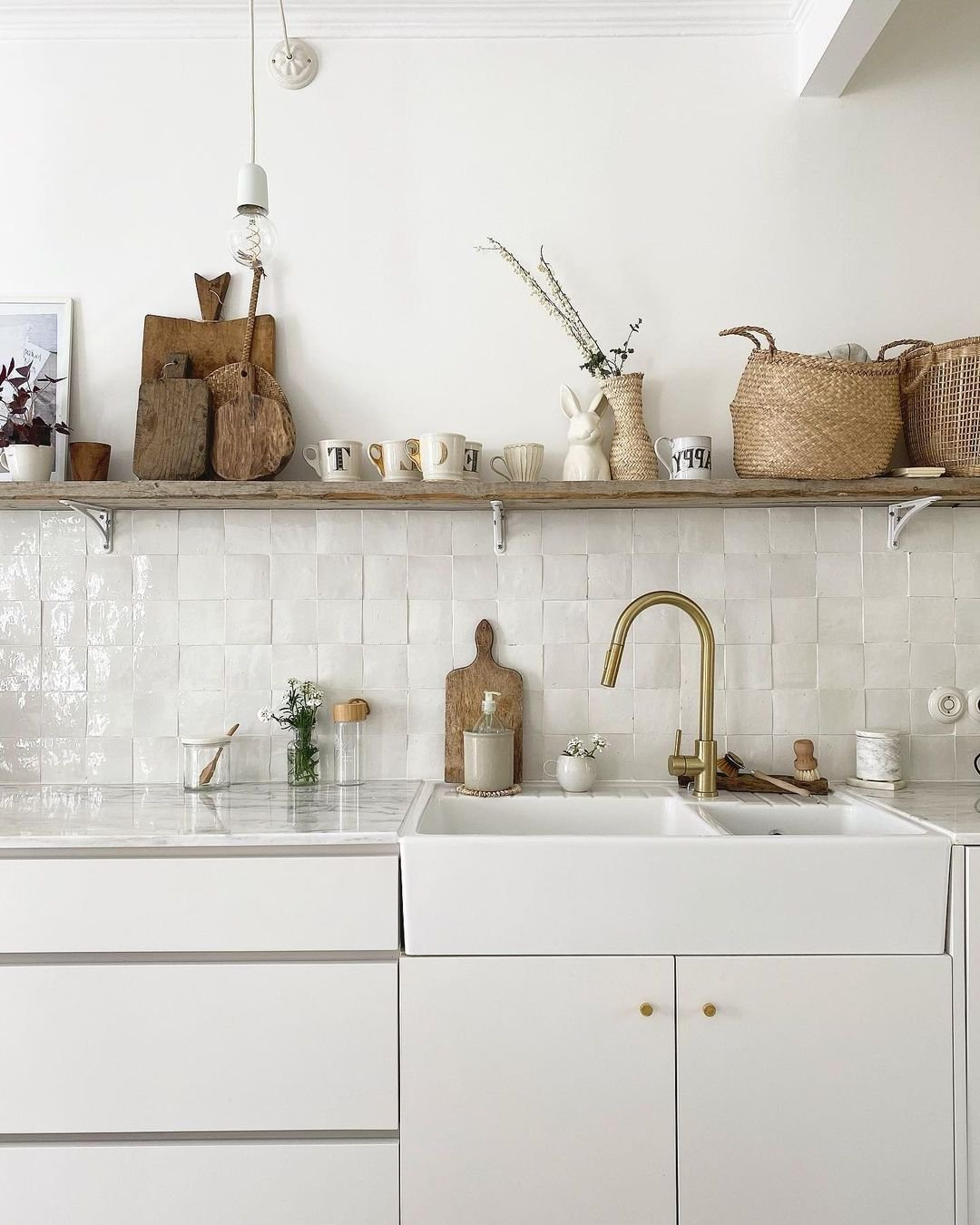 cuisine ouverte retro style campagne blanche bois