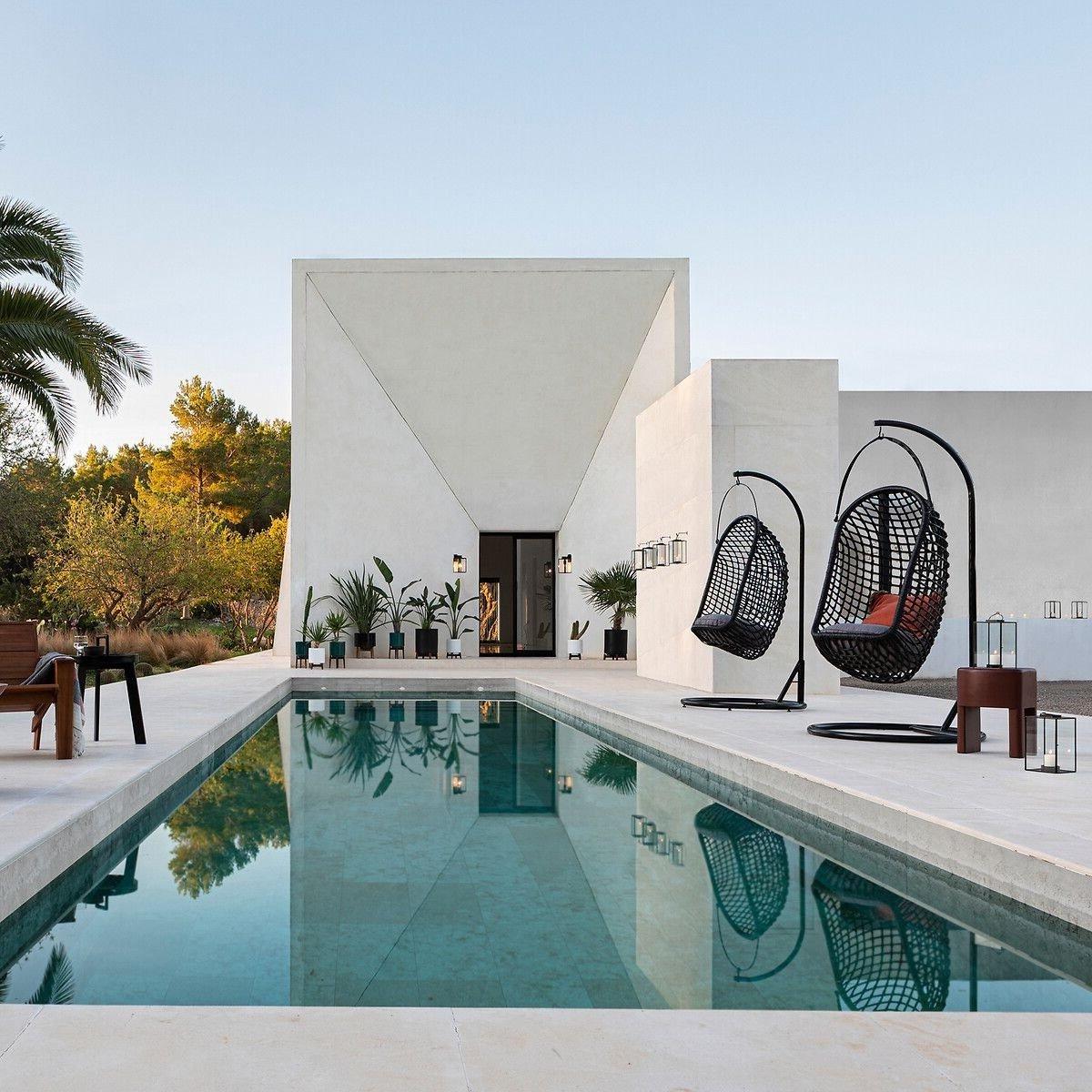 fauteuil suspendu oeuf noir pour extérieur bord piscine