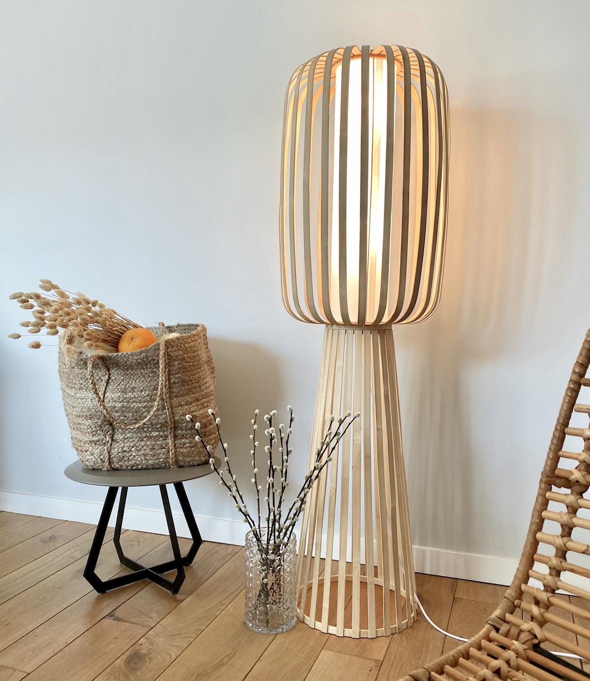 lampadaire bambou rotin design rond fleurs séchées déco