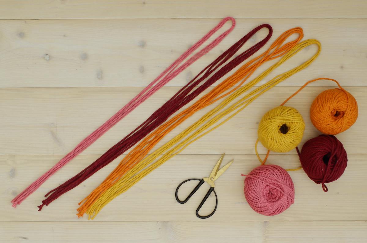 bobine coton cable nuancier rose jaune rouge