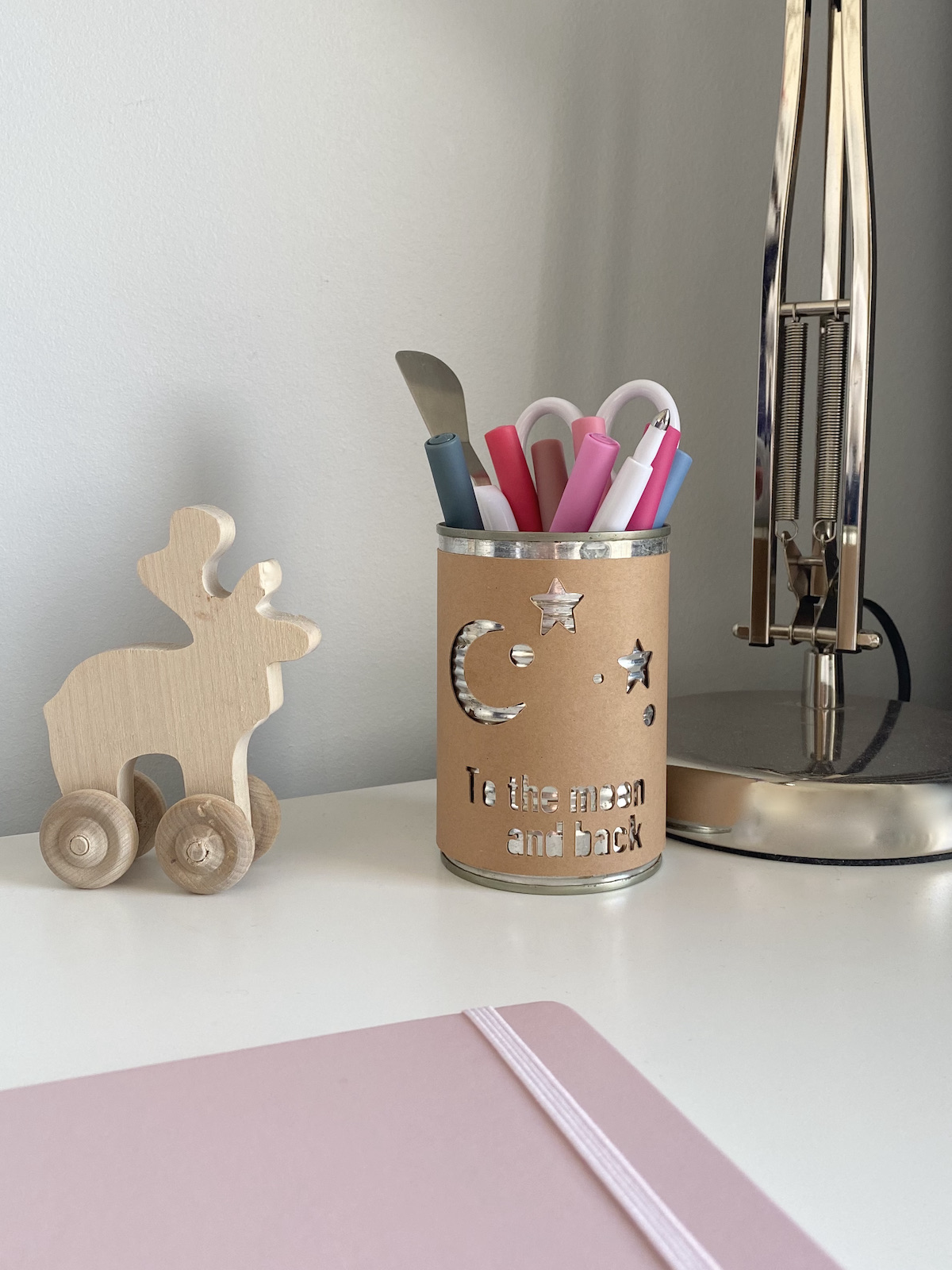 upcycling boîte conserve métallique pot à crayon enfant