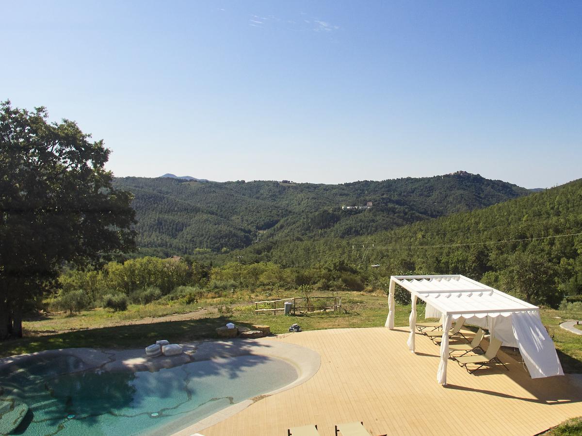 piscine comme plage Montieri colline campagne toscane