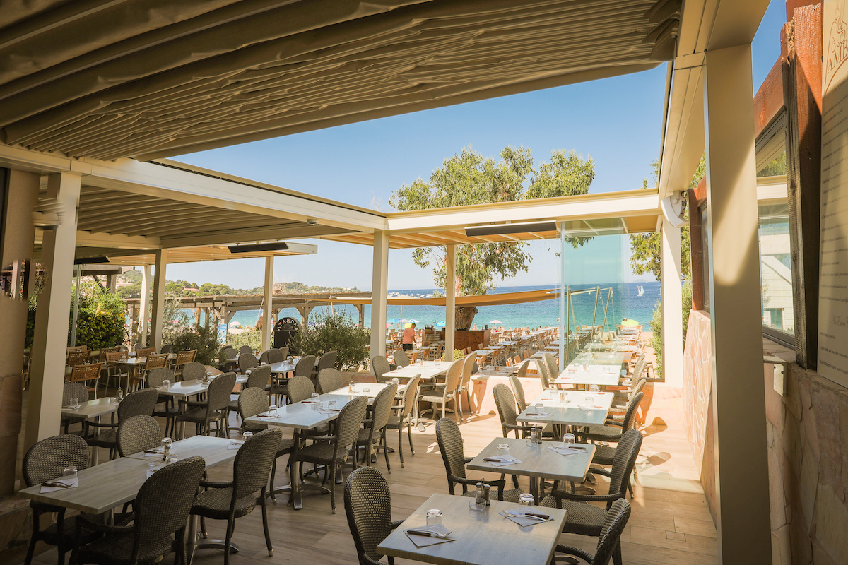 plus beaux endroits pour vacances restaurant plage Corse Porticcio
