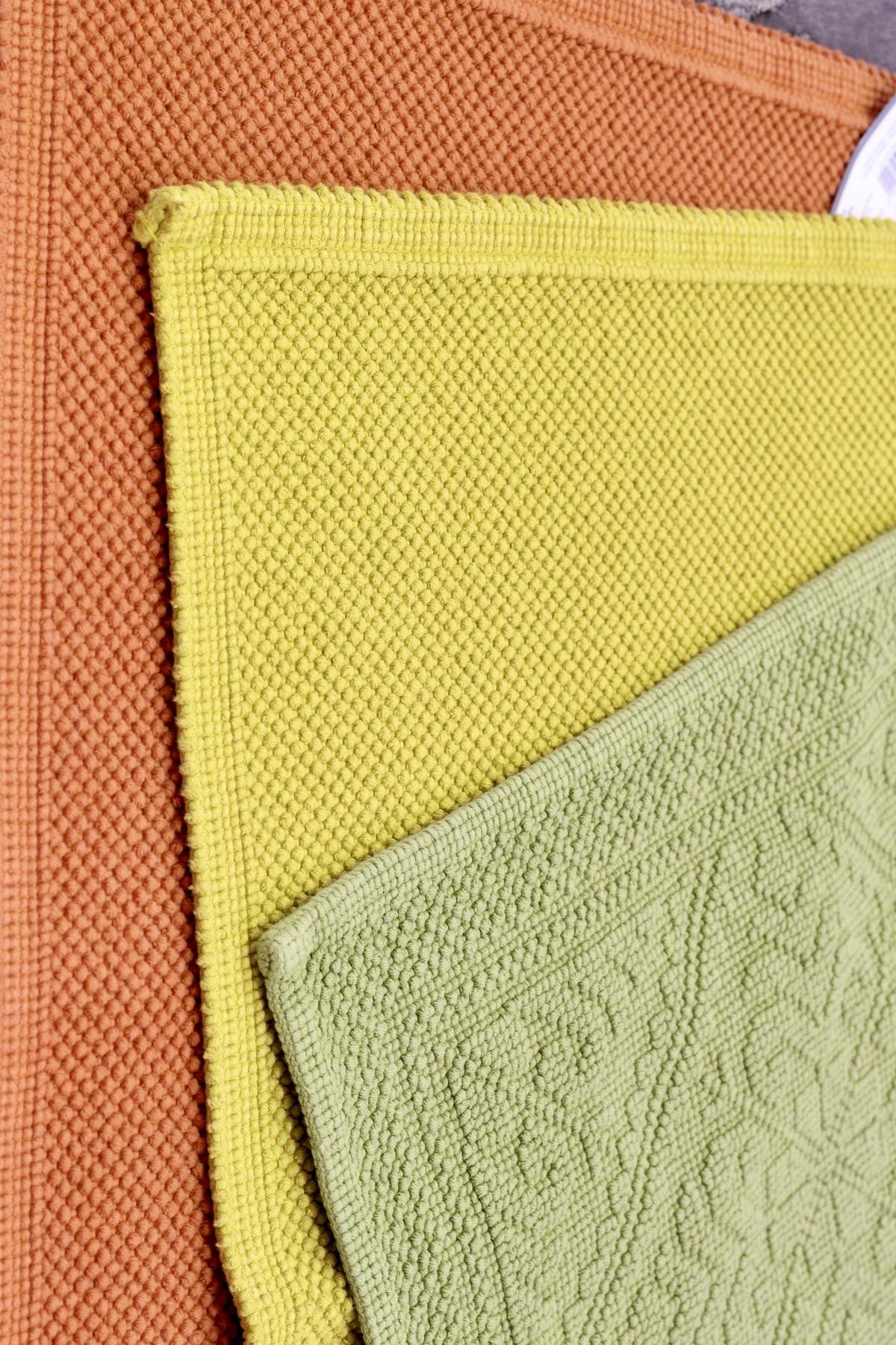 tapis de bain Serge Lesage jaune orange vert amande