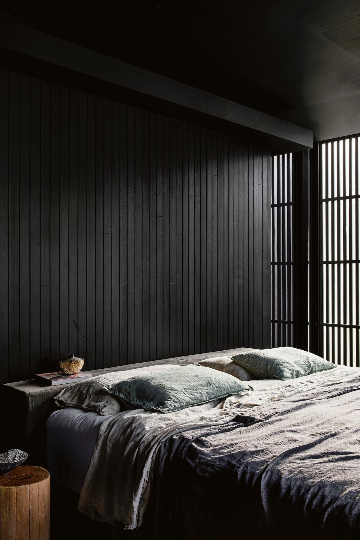 chambre noire décoration japandi minimaliste simple cloison amovible