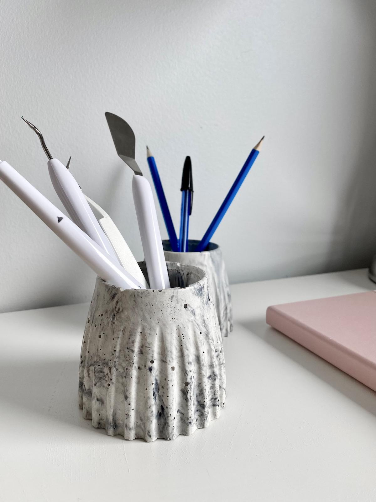 porte-crayon diy béton moucheté - blog déco - clem around the corner