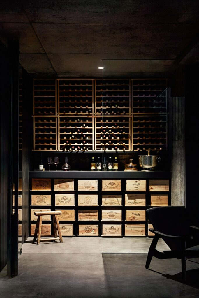 sous-sol cave vin salle secrete dégustation