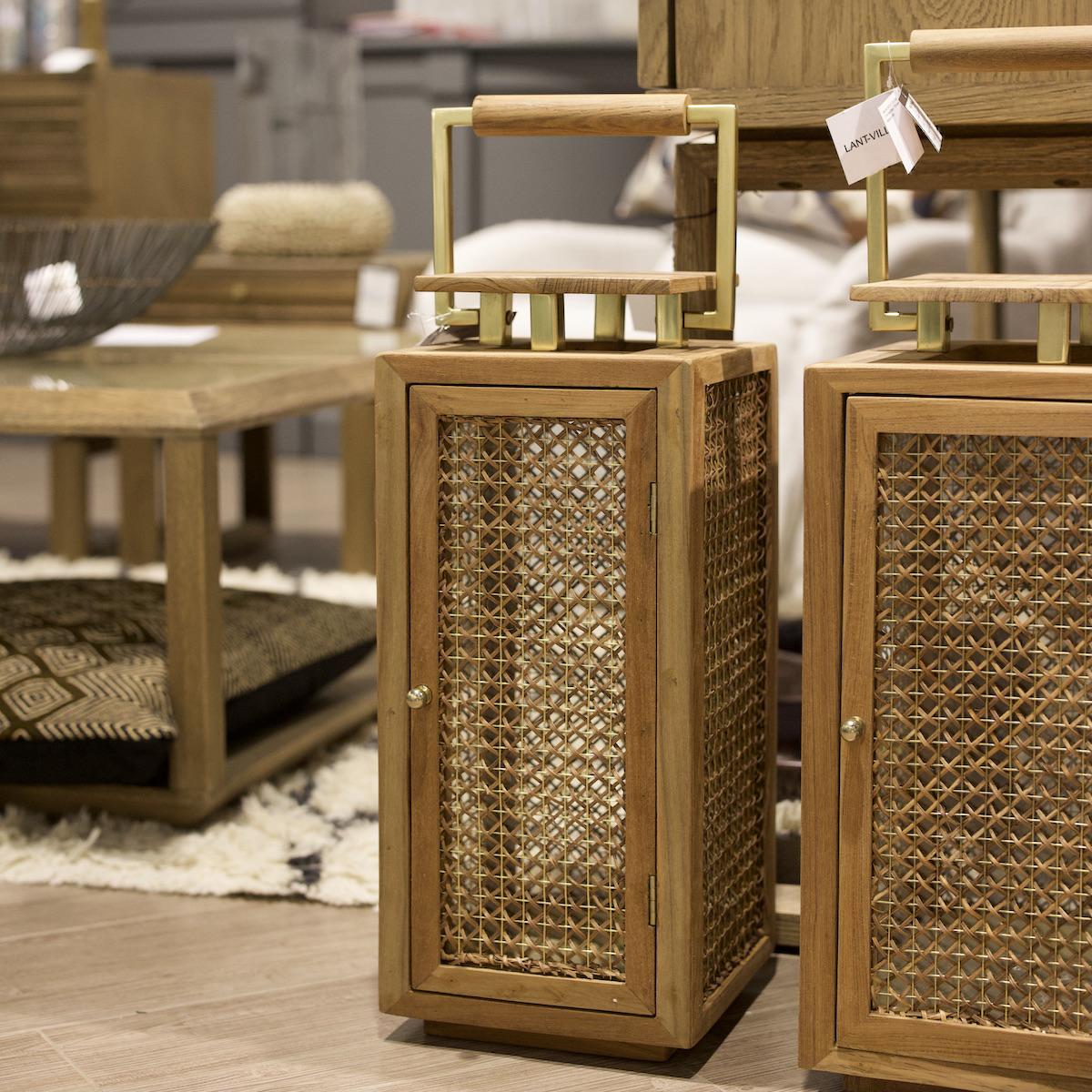 préparer la rentrée déco salon lanterne bois cannage laiton design