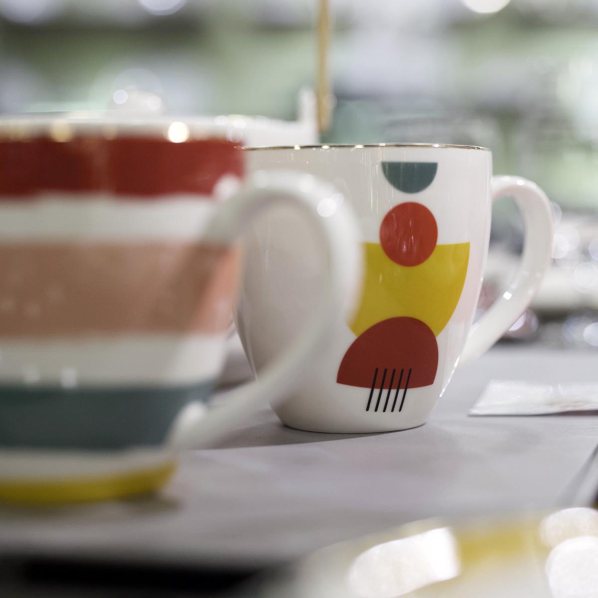 tasse porcelaine motif Memphis arty graphique original