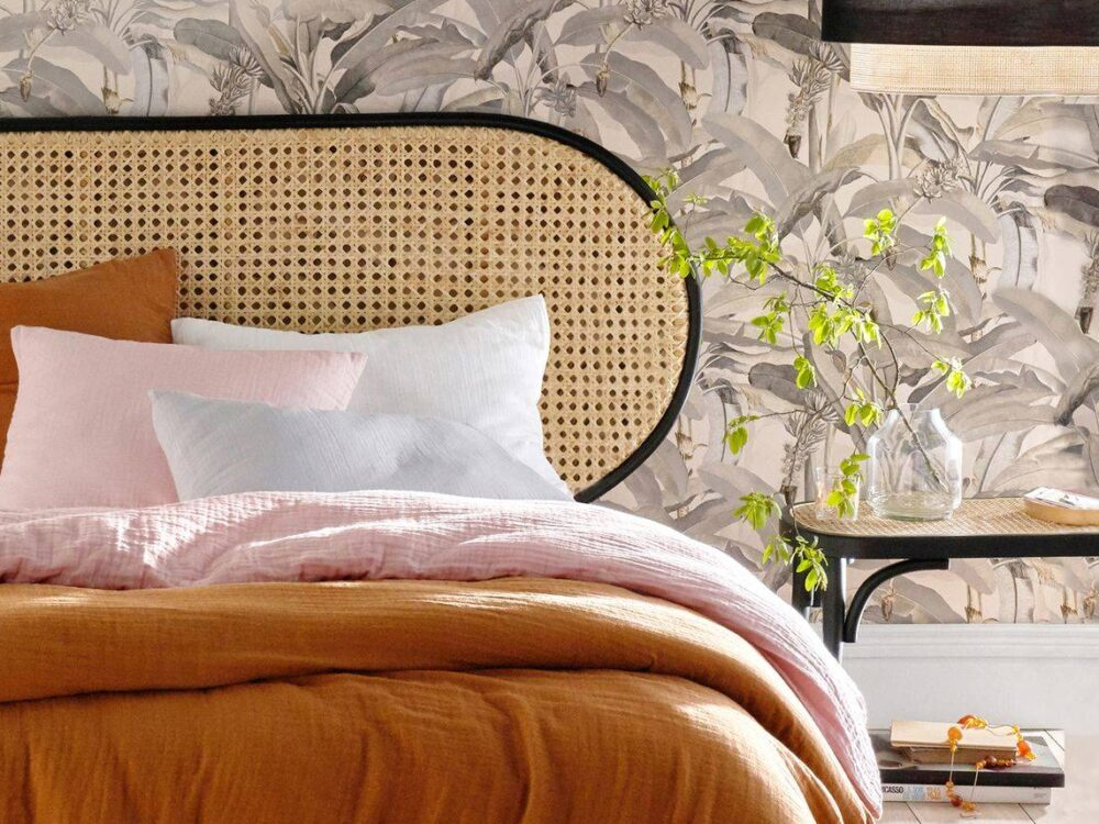 chambre rétro tête de lit cannage noir bois lin orange 60 années 70