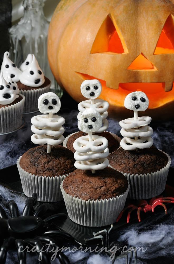 mini gâteau muffin chocolat squelette chamallow